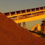 Giá quặng sắt vẫn tiếp nối đà tăng vì lo ngại nguồn cung từ Brazil thắt chặt