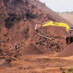 Giá quặng sắt tăng dù giao dịch tạm lắng trước lễ kỉ niệm Quốc khánh